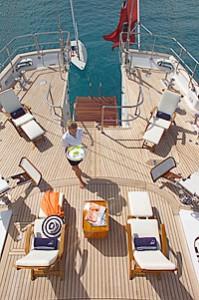 crewed yacht charters bvi