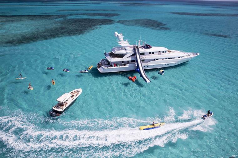 Motor Yacht At Last - Summer Bahamas Special